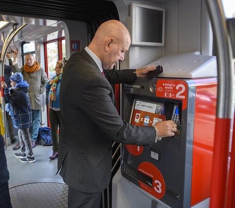 1. kaartverkoopautomaat